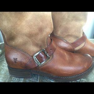 Shoes - Frye Women's Veronica Short Boot
